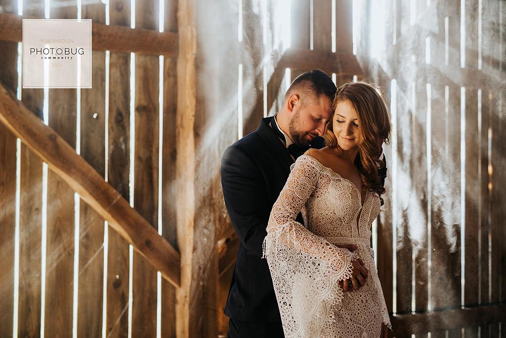 goczkowski górecka fotografia fotograf ślubny warszawa wyróżnienia ślub w plenerze stodoła czereśniowy sad